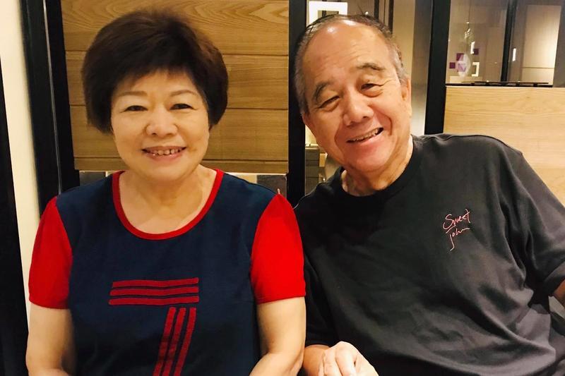 知名作家廖輝英(左)驚爆想跟結婚40年的老公離婚。(翻攝廖輝英臉書)
