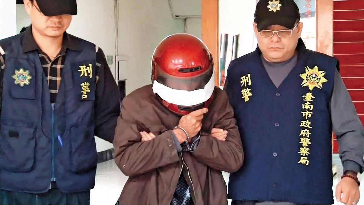 殺害女友的梁文約(中)坦承犯案,被警方移送法辦。(東森新聞提供)