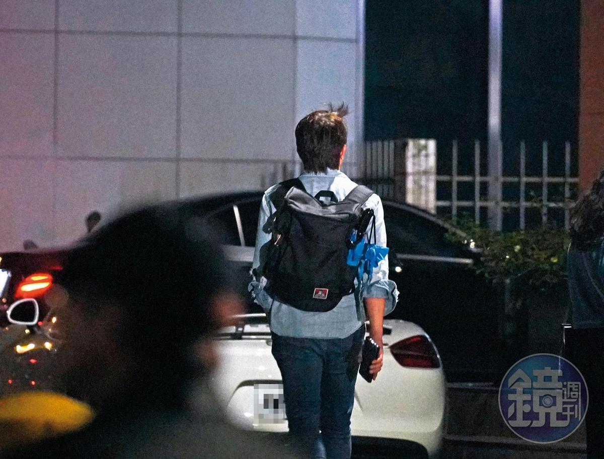 10/18 22:24 其實柳建名已經擁有陳孝萱家的鑰匙,供他自由進出。