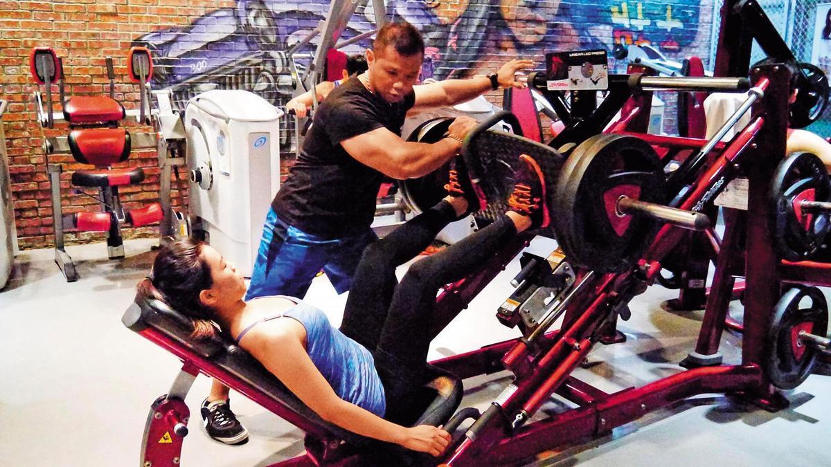 300壯士健身俱樂部頗具規模,許家豪目前擔任執行長一職。(翻攝跨時代健身中心-300壯士俱樂部臉書)