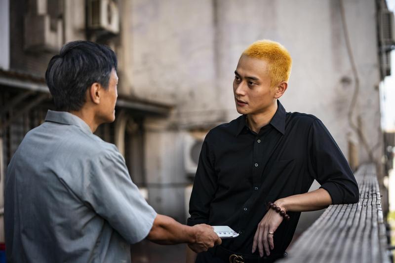 《陽光普照》劉冠廷飾演菜頭,他曾經是阿和最好的拜把兄弟,卻發現完全不是這樣。(甲上娛樂)