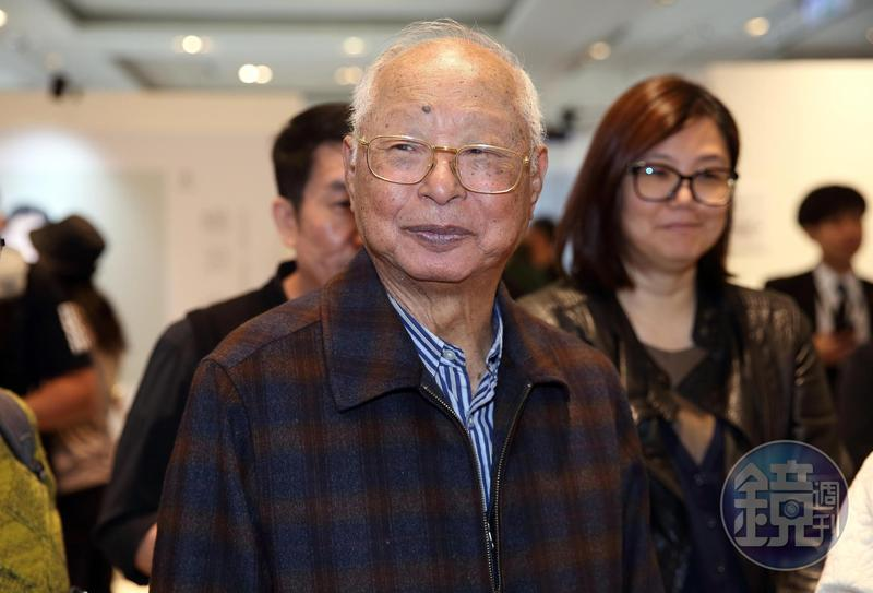 新光三越董座吳東興今年突然大動作加碼買股新光金。