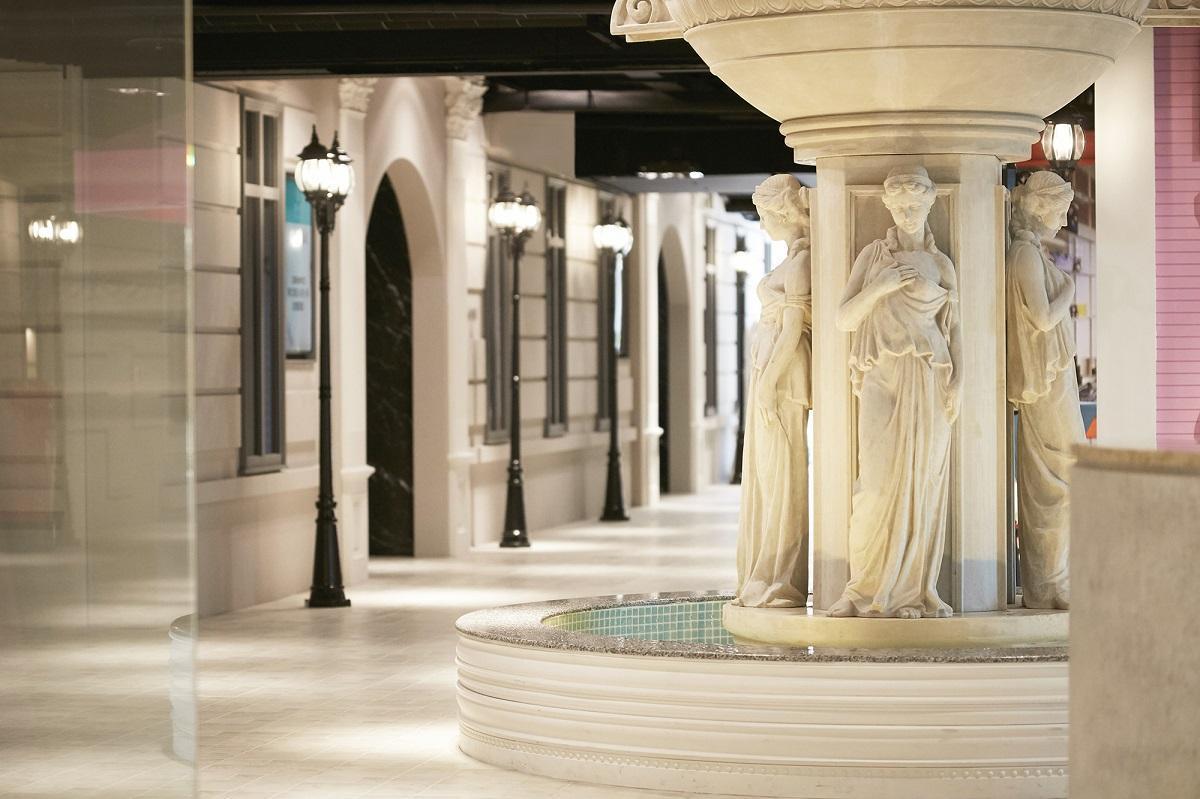 88號樂章婚宴會館精心打造占地500坪的歐風廣場。