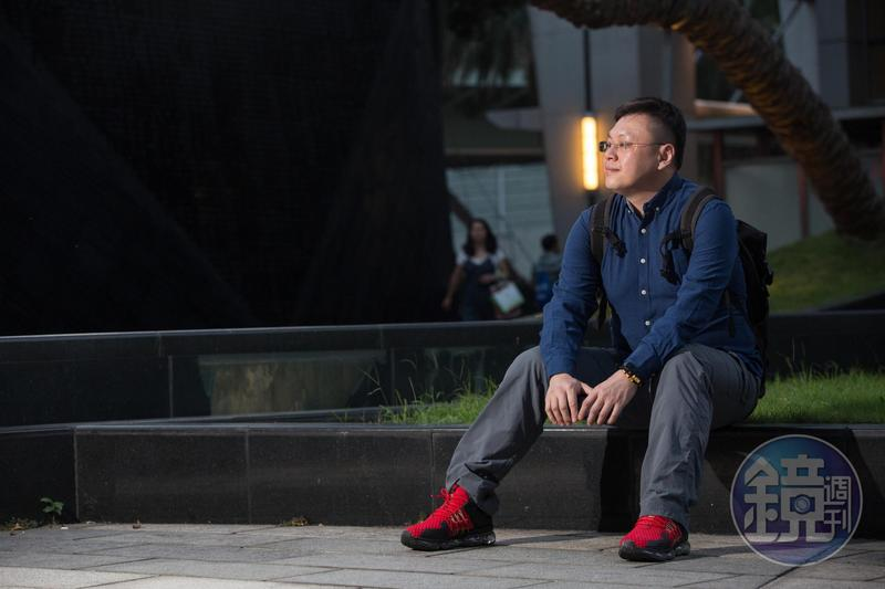 走過人生低谷,馮文宏靠投資再翻身,現在過著財富自由且愜意的生活。