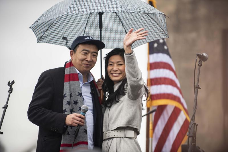 2019年11月1日,楊安澤與妻子艾芙琳出席愛荷華州「自由與正義」紀念活動。(東方IC)