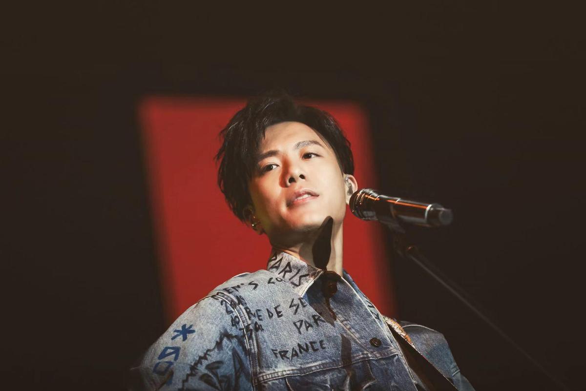 韋禮安首唱〈貓咪共和國〉及〈不用告訴我〉兩首新歌。(IMC提供)