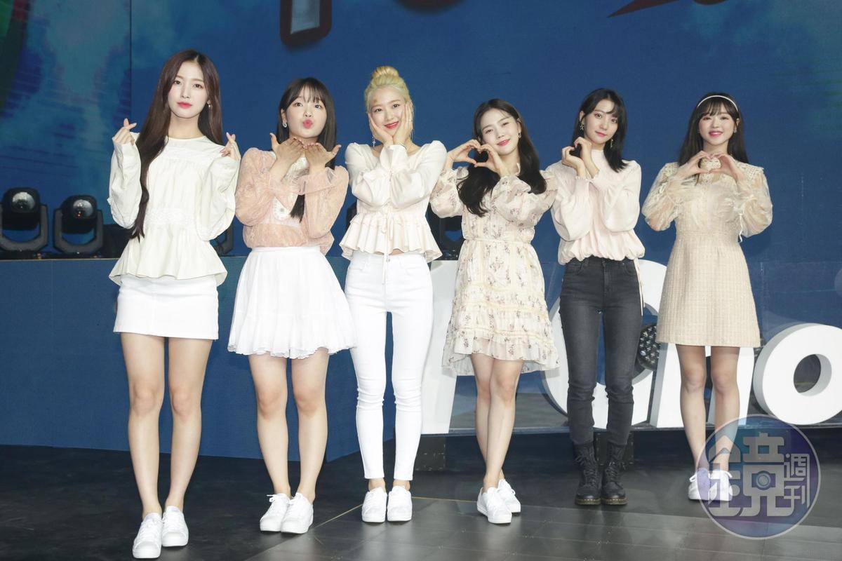 韓國女團OH MY GIRL成員Mimi因身體不適,缺席彩排。