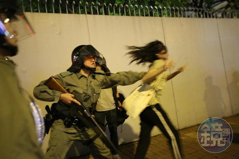 香港反送中抗爭,多次傳出女性示威者指控遭警性騷擾甚至性侵。