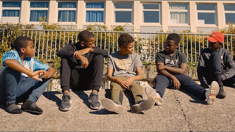 以北非裔男孩躲避警方追捕遭電死,引發巴黎暴動為背景的《悲慘世界》獲歐洲電影獎最佳影片提名。(翻攝自Hollywood Reporter)