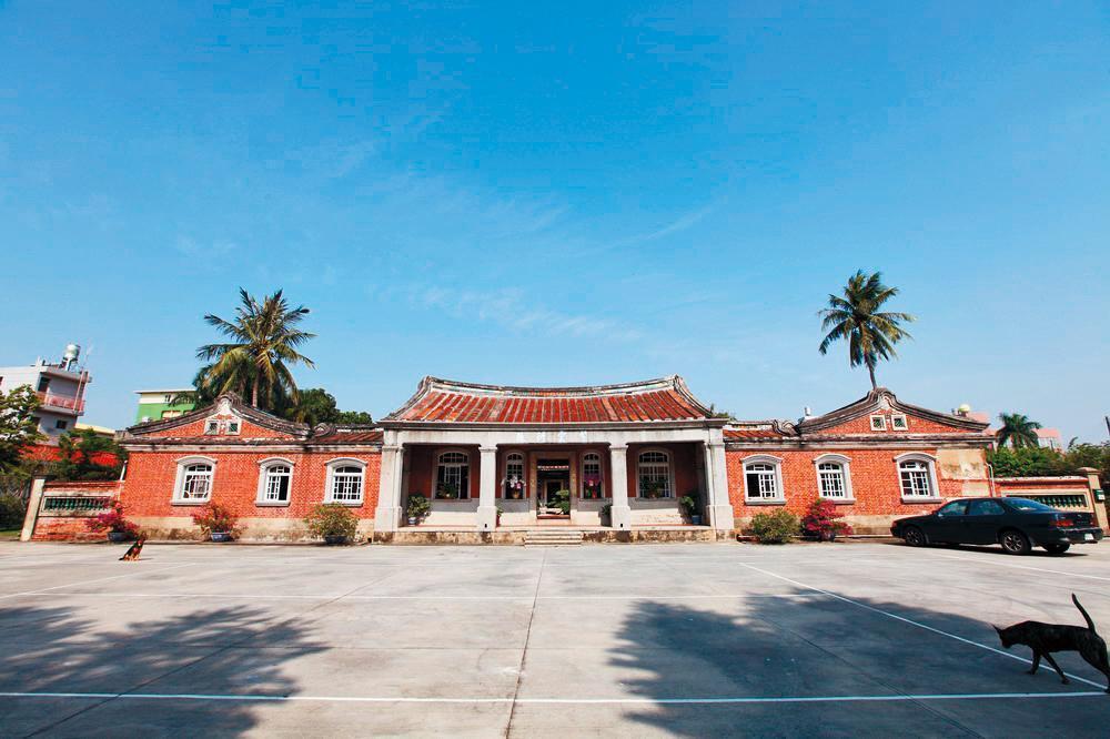 台南美術館一館和後壁黃家古厝(圖)被傳出可能是林志玲的婚宴地點。(翻攝自文化部文化資產網)