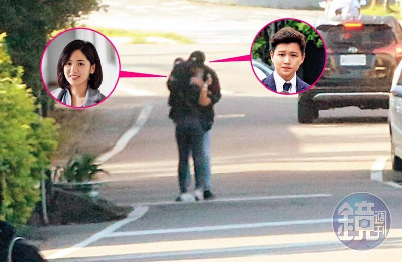 11/09 15:10本刊直擊,黃瀞瑩與熱戀中的花美男劉姓記者在宜蘭頭城大街上激吻,完全不在乎身旁的車子及行人。