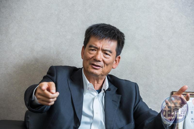 Uber條款遲不上路,台灣大車隊董事長林村田怒批政府不公。