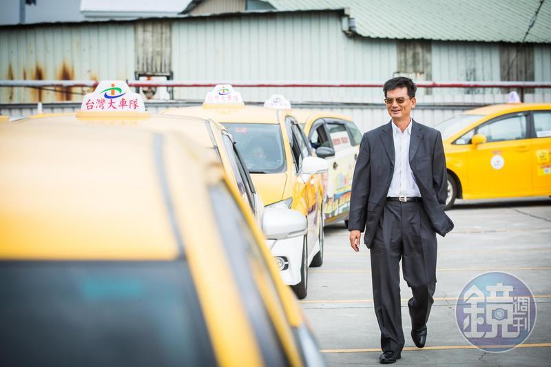 台灣大車隊老董林村田平時不只搭自家計程車,也會選擇Uber、其他同業計程車代步作為改進參考。