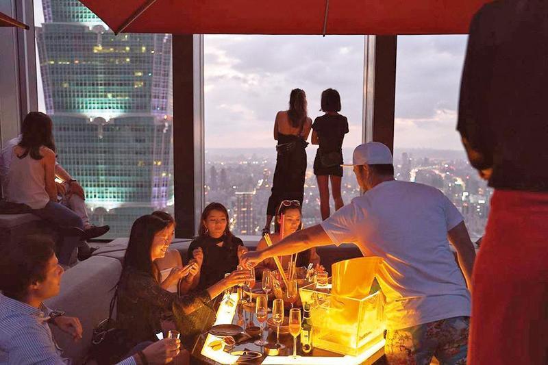 Ce La Vi Taipei 是近年藝人必到之夜店,林志玲、許雅鈞也曾被捕獲。(翻攝自Ce La Vi Taipei臉書)