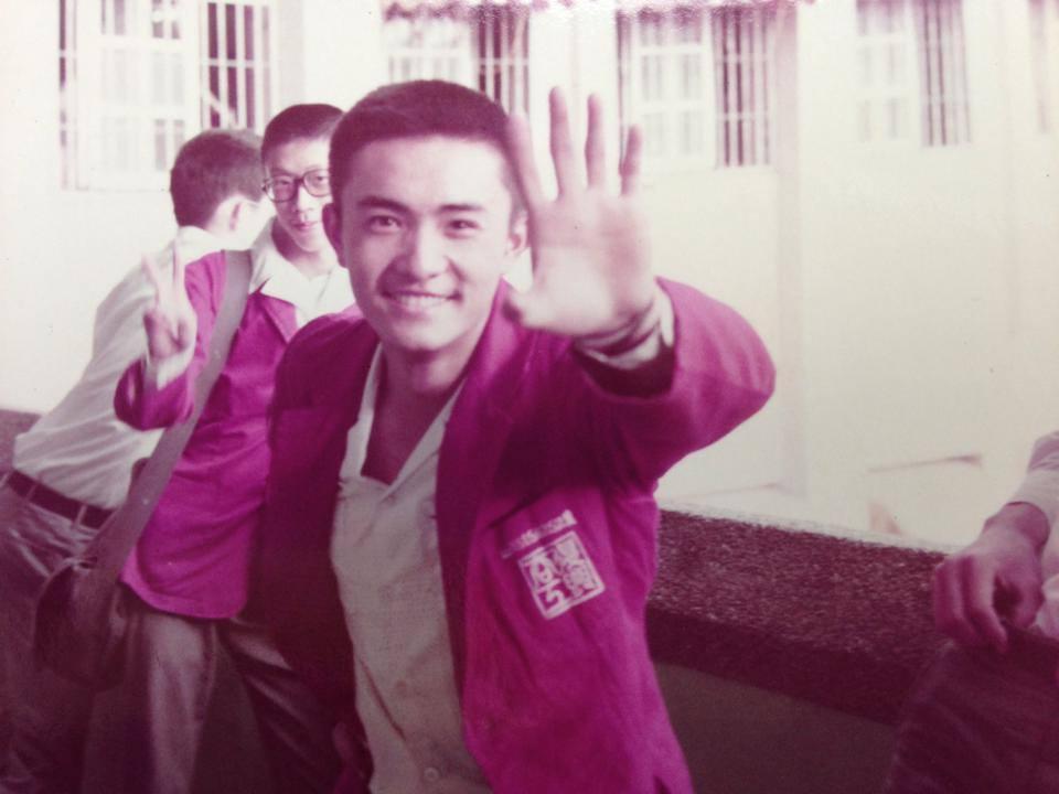 李㼈年輕時外型相當俊美,吸引許多粉絲目光。(翻攝李㼈臉書)