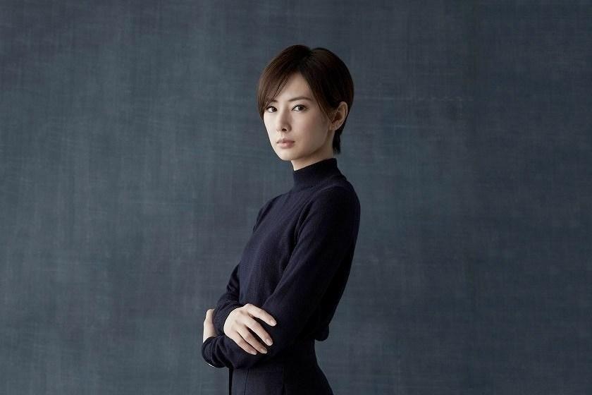 北川景子為新作品剪掉招牌長髮。(網路圖片)