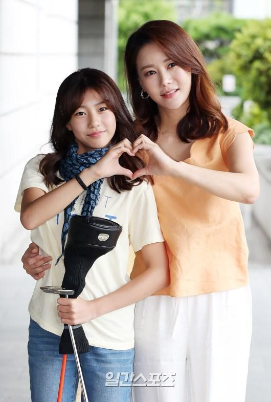 朴妍秀是足球選手宋鍾國前妻,女兒智雅曾上《爸爸要去哪兒》被大家熟知。(網路圖片)