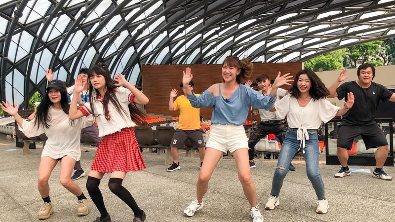李懿與可凡練習跳舞。(懿想天開提供)