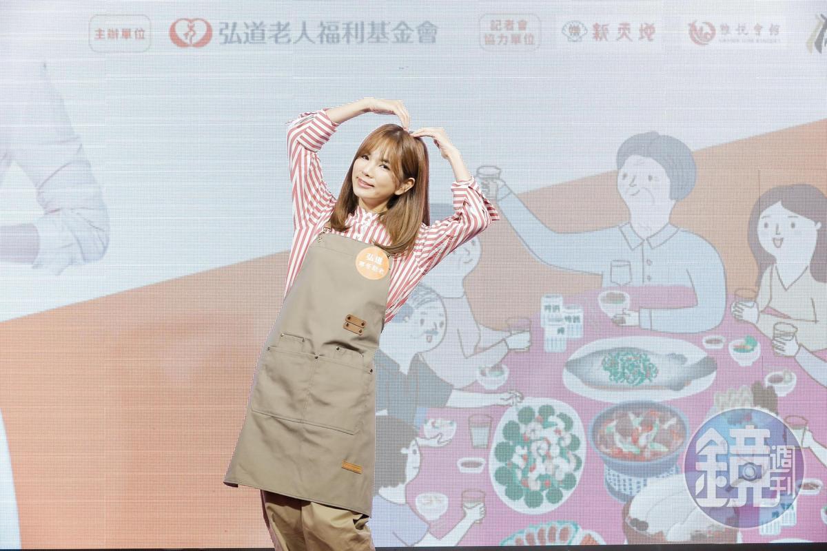 Ella透露林志玲與老公AKIRA互動甜蜜,兩人是「俊男美女」的組合。