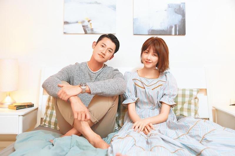 吳慷仁替邵雨薇擔任MV男主角後,兩人又將在公視新劇《路》合體演情侶。(寬宏藝術/Kham Music提供)