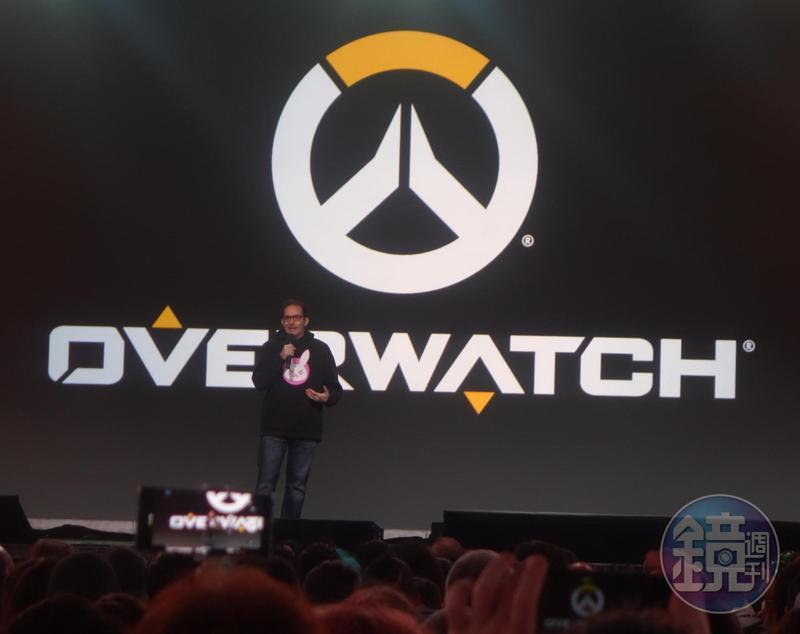 《鬥陣特攻》遊戲總監Jeff Kaplan認為,暴雪應該再減輕聰哥的懲處,甚至取消懲處。