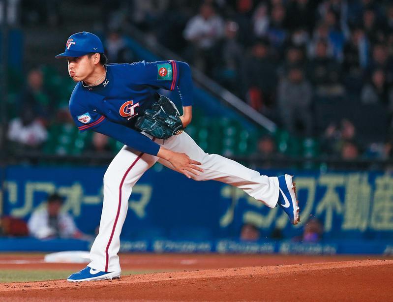 張奕在日本努力發展無人聞問,靠著12強賽的優異表現一舉成名。(東方IC)