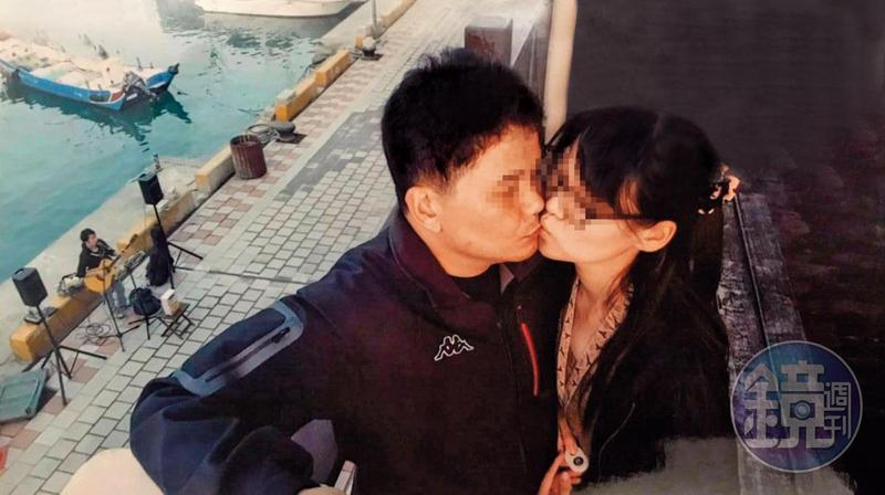 秦、洪2人常大方接吻留影,毫不避諱。(讀者提供)
