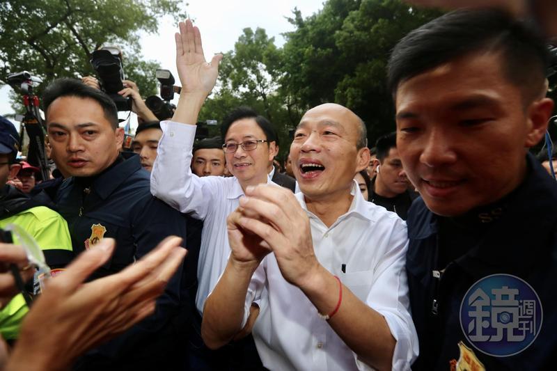 國民黨總統候選人韓國瑜再遭爆料擁有大安區仁愛路樓中樓房地產,韓辦回應該房產為親戚持有。