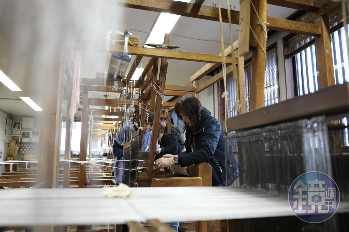 織布其實是慣性動作,但剛開始學,一閃神就會錯。