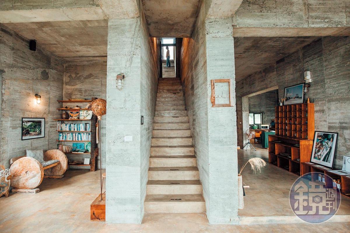 「石梯灣118」民宿空間粗獷豪邁且簡樸無華。