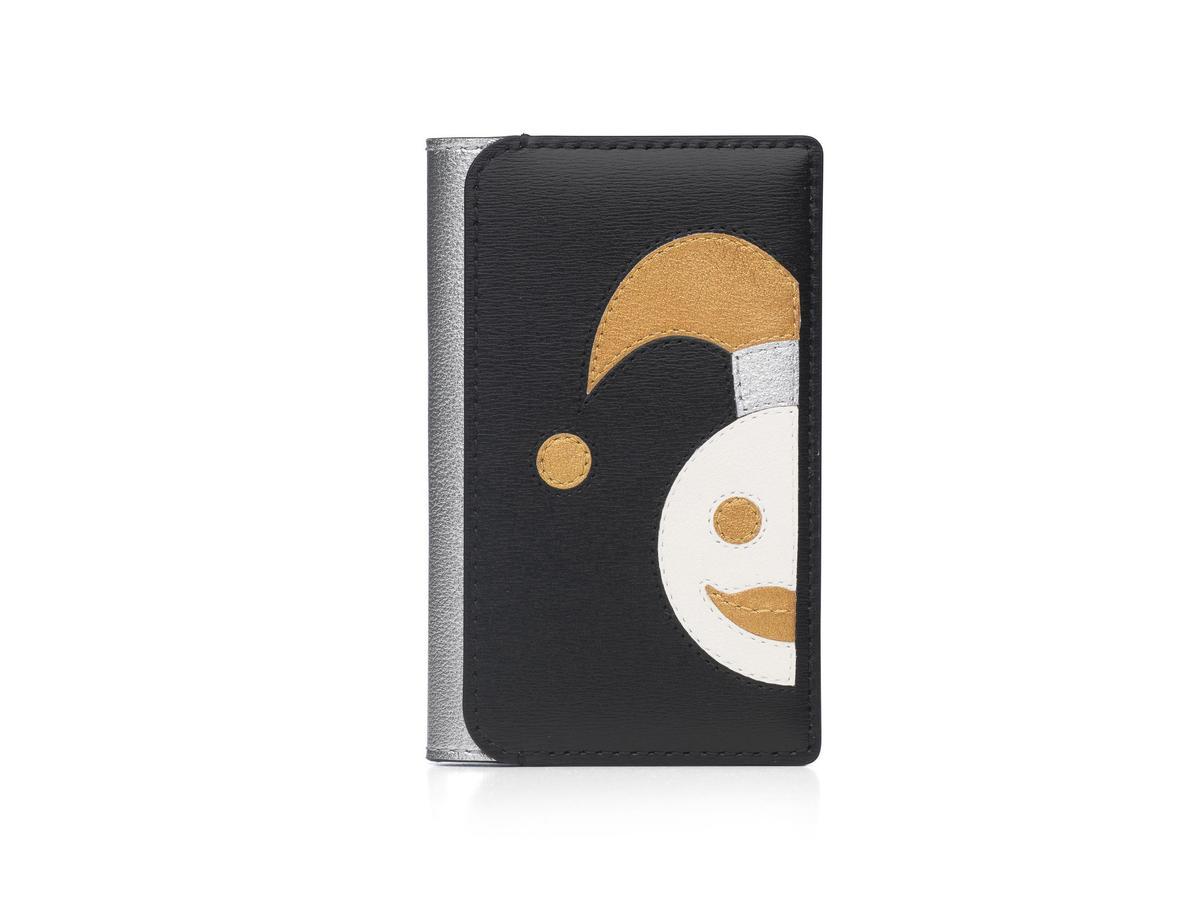 DELVAUX 190週年紀念款牛皮多功能小丑卡夾。NT$19,100(美之心提供)