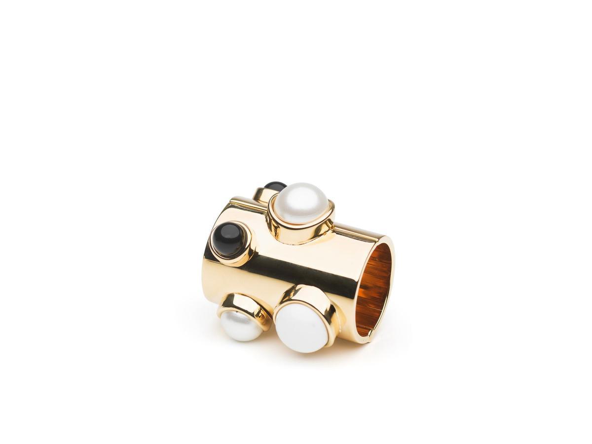WondeRings Nacre黃銅鍍金提把釦環,價格店洽(美之心提供)