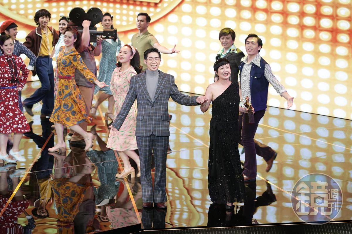 苗可麗現身表演,引起觀眾和網友一陣驚呼。