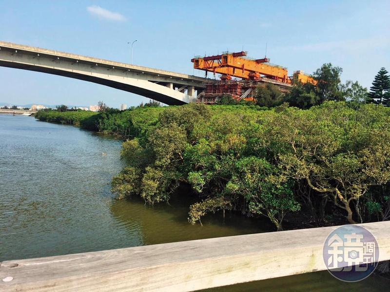 邱冠榕以新竹縣政府的溼地生態環境工程為餌,騙被害人投資。(讀者提供)