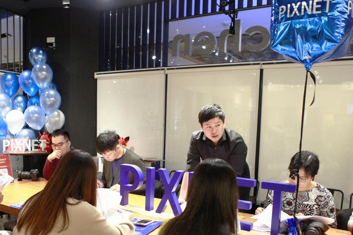 PIXNET創辦人劉昊恩與部落客們分享痞客邦站內年菜相關數據