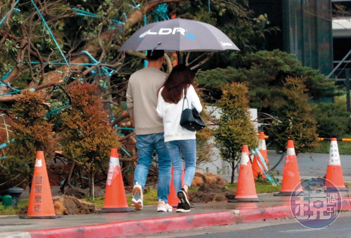 14:35 離婚事情都還沒處理完畢,趙元同就跟林以婕密集且頻繁約會。