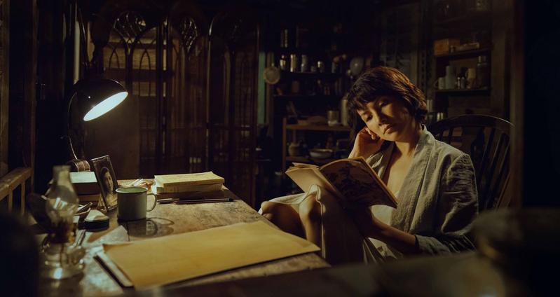電影《夕霧花園》主要使用英語和粵語,並參雜一些日語。(甲上提供)