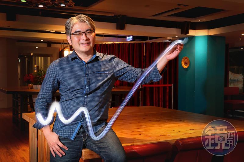 有K線捕手稱號的楊忠憲,透過技術面短線操作飆股,每次出手賺逾15%。