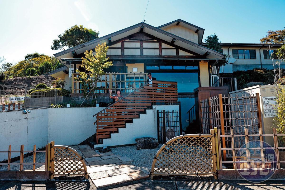 「富士屋」是當地有名的食堂,招牌菜是鰻魚與鯛魚。