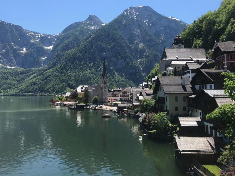 被聯合國教科文組織列入世界遺產的哈修塔特(Hallstatt)是奧地利著名的觀光景點。(讀者提供)