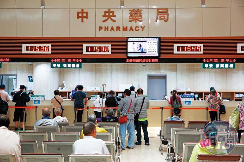 台灣醫療體系常有斷藥事件,小自通腸道軟便劑,中到抗憂鬱情緒藥,大至最後防線救命抗生素,近年來都曾經斷過貨。