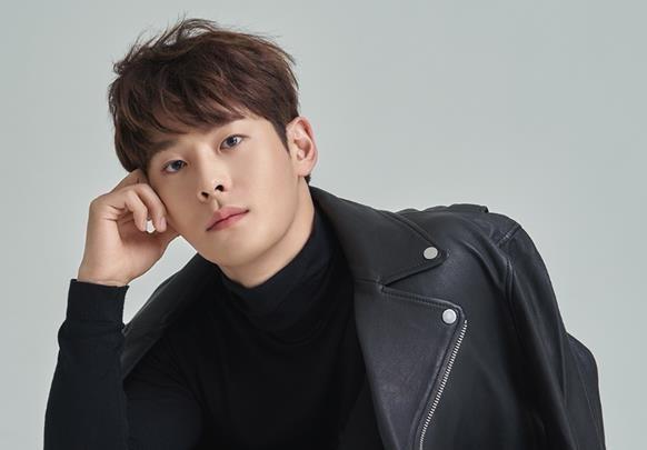 出道2年的新人演員車仁河驚傳死訊,得年僅27歲。(翻攝自Naver)