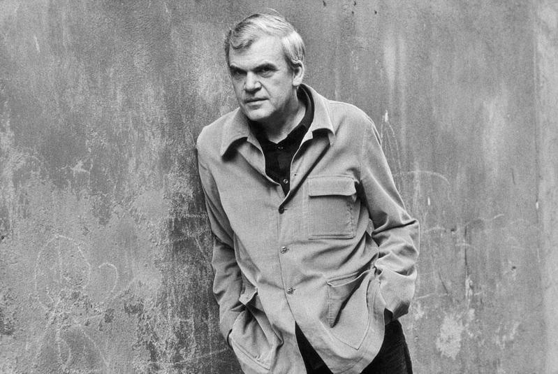 90歲的捷克作家米蘭・昆德拉重獲捷克公民身分。(翻攝自Milan Kundera粉絲專頁)