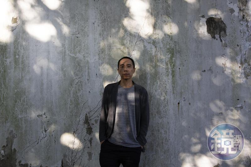 泰國金棕櫚獎導演阿比查邦‧韋拉斯塔古帶著錄像展覽「狂中之靜」在北美館展出,這是他首次在台灣的個展。