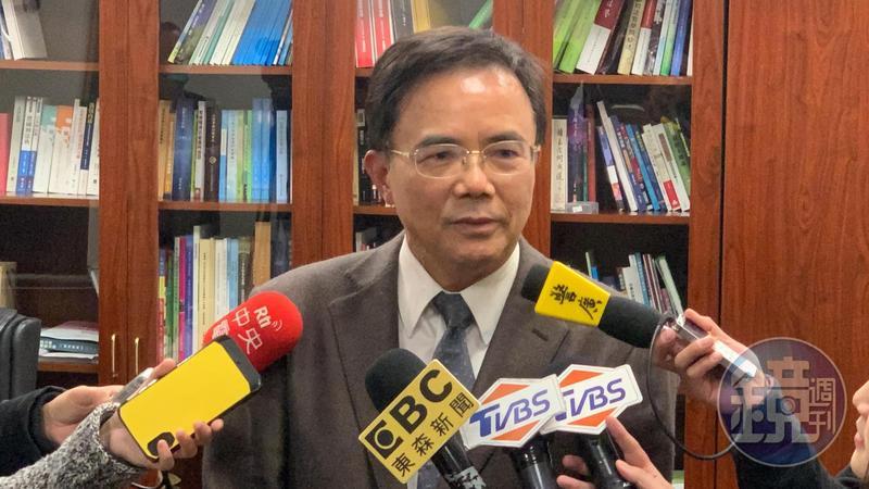 法務部政務次長蔡碧仲今受訪駁斥有「碧仲幫」一事。