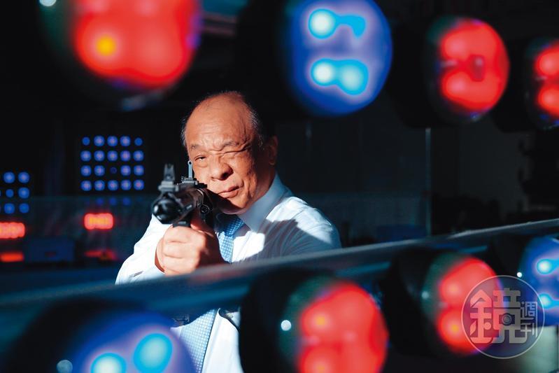 廖英熙以玩具店起家,創立的怪怪貿易目前已是高階玩具槍全球市占第一。