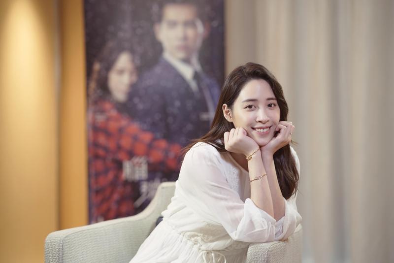 歐陽妮妮受邀出席新加坡電視節宣傳新戲《腦波小姐》。(麗象影業提供)