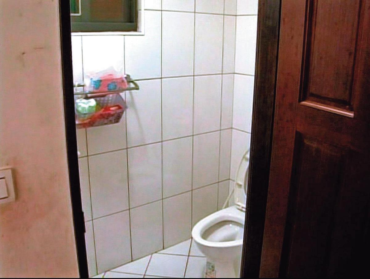 黃郁玲告訴警方,她懷疑丈夫在浴室上吊,但浴室根本沒有可懸梁之處。(警方提供)