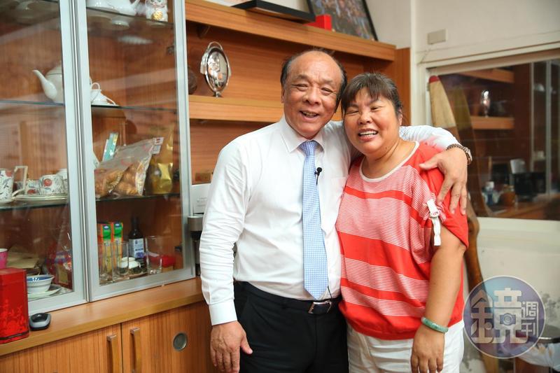 廖英熙與太太交往3個月就閃婚,恩愛40多年。