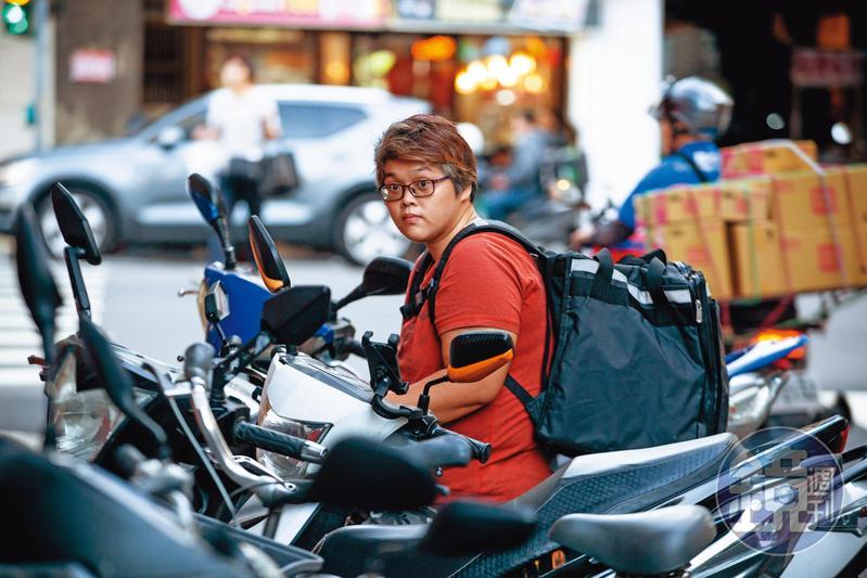 林桂穗身世飄零,國中畢業就靠自己打拚至今。